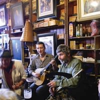 traditional irish music session in dingle